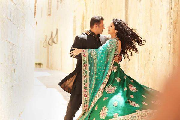 BHARAT: Katrina Kaif dresses up in bridal wear, hugs Salman Khans mom