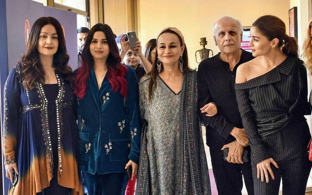 Alia bhatt with her family.