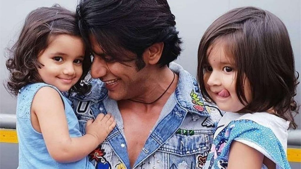 Karanvir Bohra's Twin Daughters