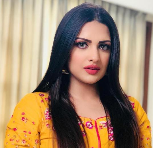 Himanshi Khurana Reveals She Got Panic Attacks Because Of Constant Body-Shaming